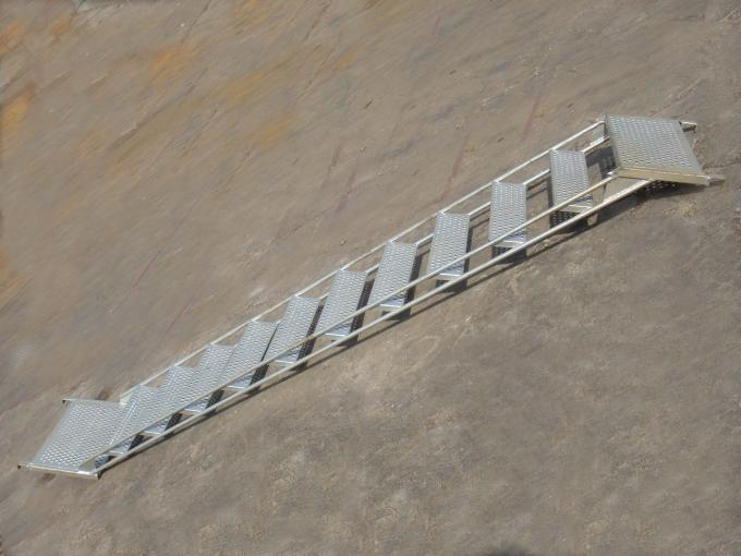Pre - Galvanized Scaffolding Ladder , stair scaffolding system 37kg 3.05*2m